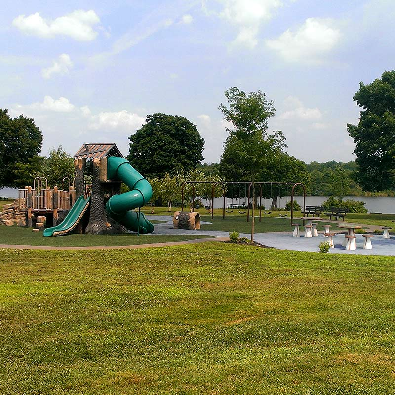 Rosedale Lake Playground by E&LP